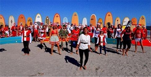 Surfin Santas
